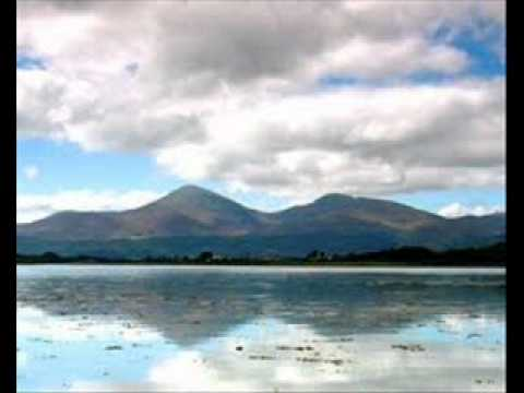 THE  MOUNTAINS OF  MOURNE    Famous  Irish  Folk  Song    (Plus Lyrics )