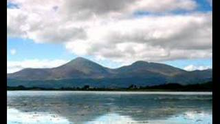 THE  MOUNTAINS OF  MOURNE    Famous  Irish  Folk  Song    (Plus Lyrics )