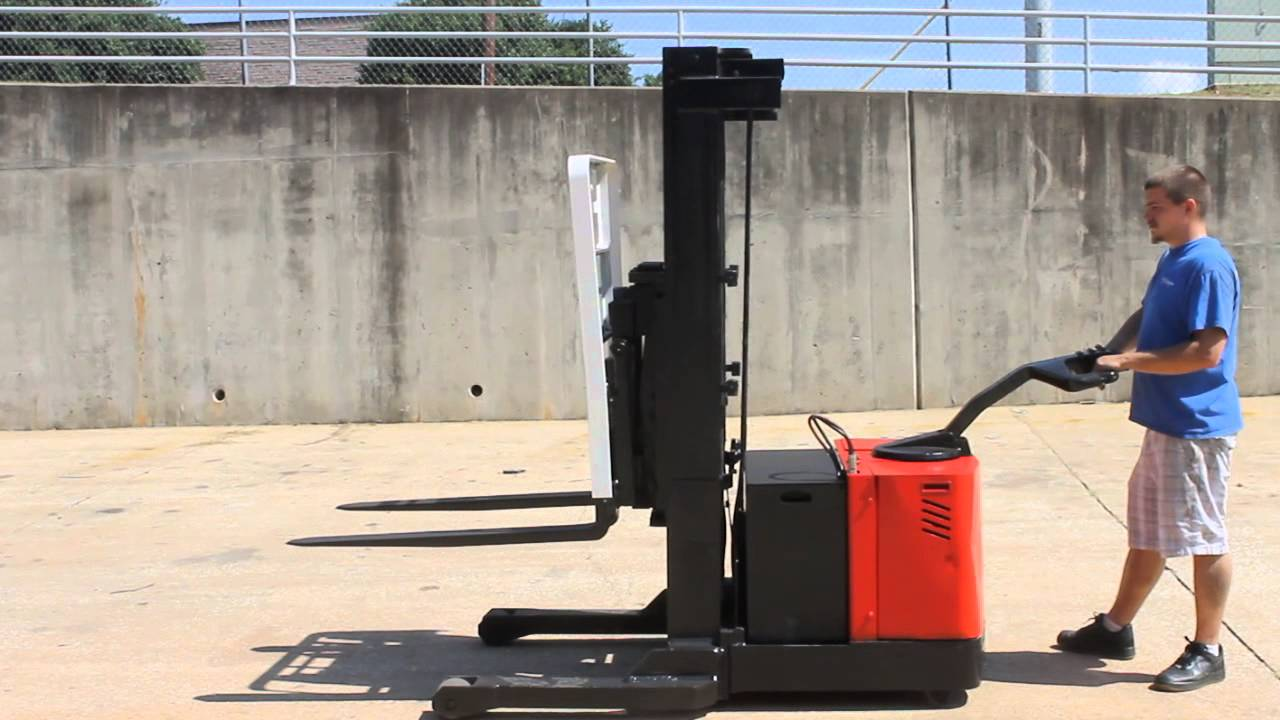 hight resolution of crown forklift usa