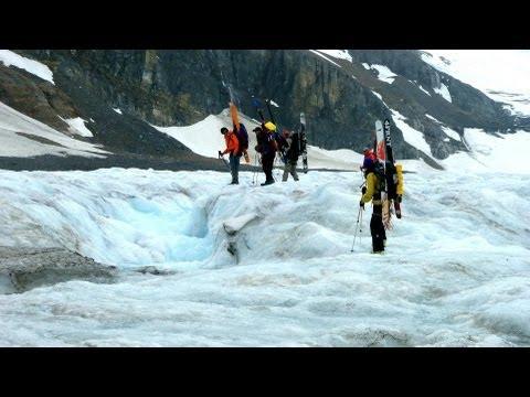 columbia-icefield-glacier---athabasca-glacier-explorer,-alberta,-canada