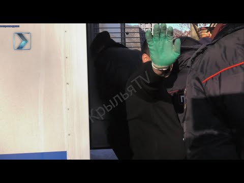 Следственные действия в доме экс-прокурора Игоря Чельдиева