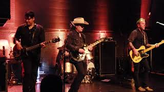 """Tom Petty's """"Honey Bee"""" performed by Kiefer Sutherland. Reckless Tour 2018. 4.27.2018"""