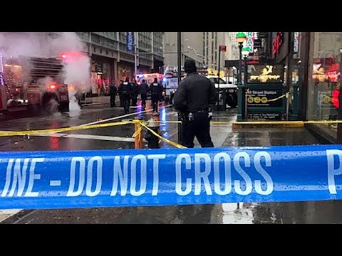 Architect fatally struck by falling debris in Midtown