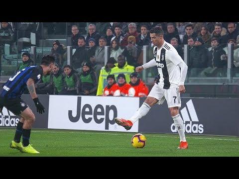 5 Favorite Cristiano Ronaldo Skills   He makes them in every match 🔝