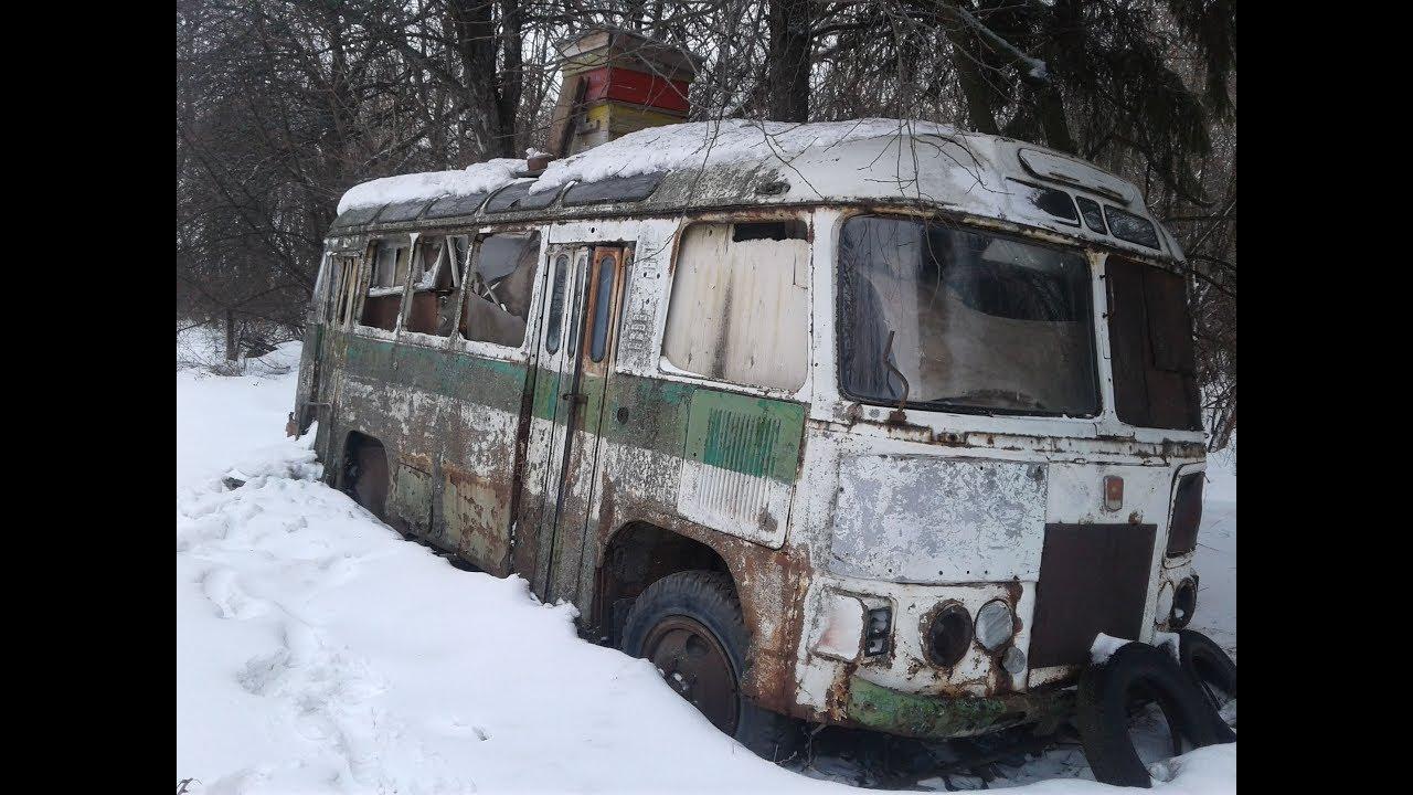 Заброшенная деревня в лесу. Старые автобусы.  Ни единой души!