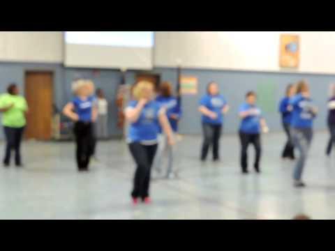 Red River Elementary School's 'Roar' Flash Mob