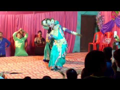 Khana barsane me as jaiyo bulay gayi radha pyari dance