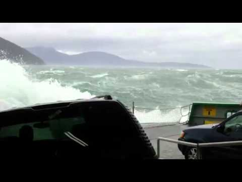 Massive waves crash onto cars, trigger alarms on Washington State Ferry