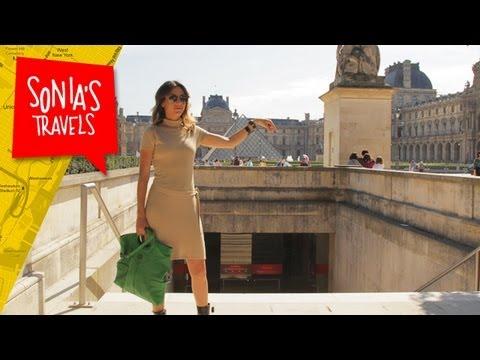 Travel Paris: Louvre Gardens and Pyramids