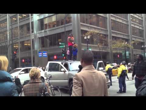 Crazy people block traffic in downtown Chicago Part 3