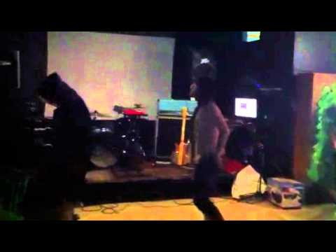 Awesome mr robot karaoke and choreography