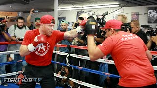 Canelo shows speed & combination punching on the mitts in media workout- Canelo vs. Smith video