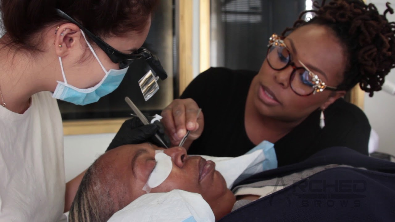 Arched Brows Training Academy Eyelash Extension Course