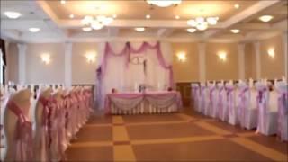 Бело-сиреневое оформление свадебного зала
