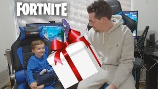 TRUMAnn Gifting V-Bucks To *5 YEAR OLD KID* NEW EPIC Outfit & items (Fortnite)