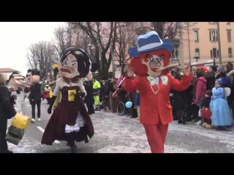 Carnevale Di Bergamo Del 2016 Sfilata Di Mezza Quaresima Sflilata