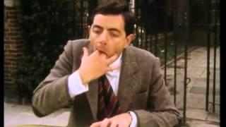 Gambar cover Mr Bean Rides Again