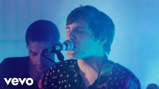 Von Wegen Lisbeth - Bitch (Live - Vevo Exclusive)