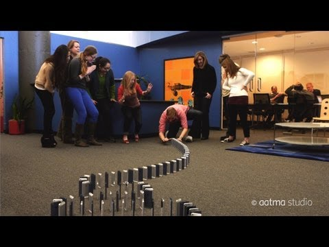 Epic Domino Sequence Created Using 10,000 iPhones
