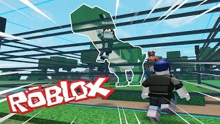 BEBE MORA IS ATTACKED BY DINOSAURIO IN ROBLOX 😱 BE BE BE MILO ROLEPLAY JURASIC WORLD DINO TYCOON