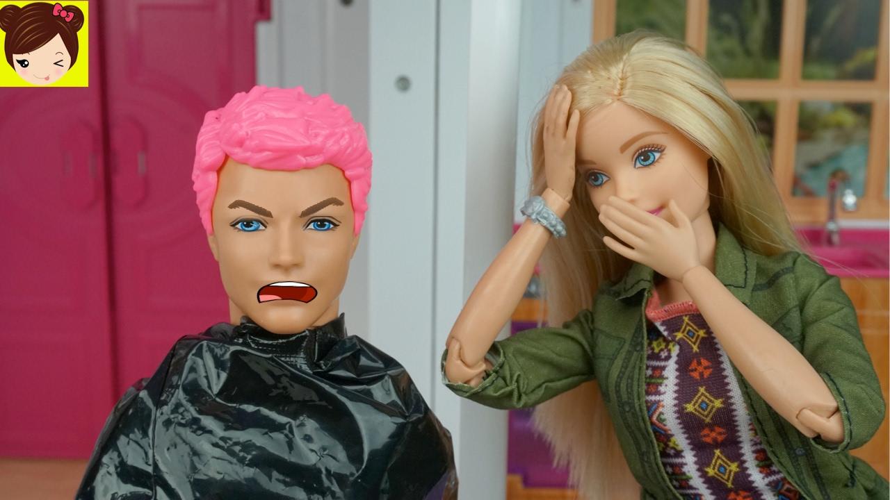 Barbie le pinta el pelo rosa a ken historias con - Le chat de barbie ...