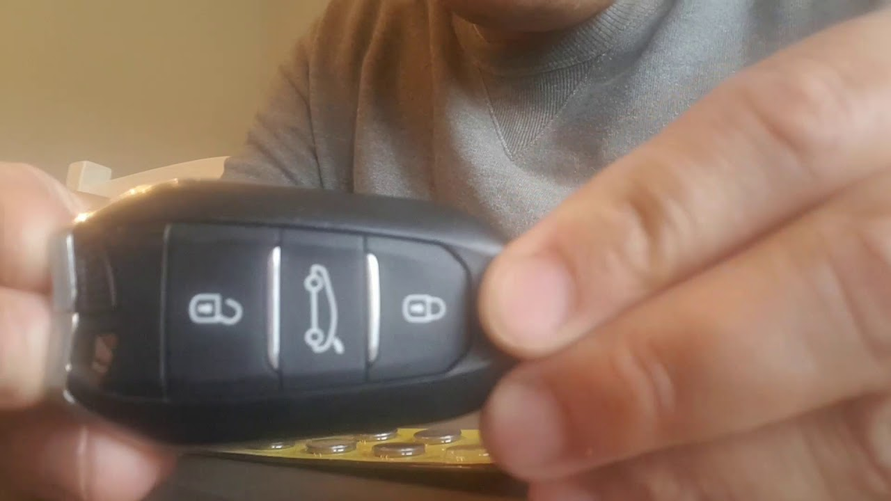 How to replace battery in DS/Citroen key