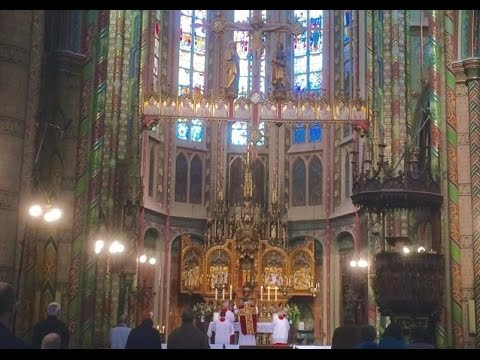 Regina Caeli (Latin Mass) and Festive Organ Processional