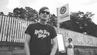 Dexter ft. Retrogott - Am Flughafen (Hubert Daviz Remix)
