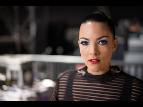 Caro Emerald: Sziget Festival Interview DistractTV