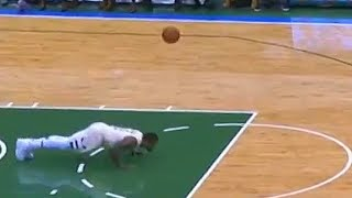 Eric Bledsoe Does Push Up After Giannis Antetokounmpo Hikes the Ball to Him During Tip-off!