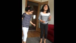 Havin & Azra  dance happy Pharrell