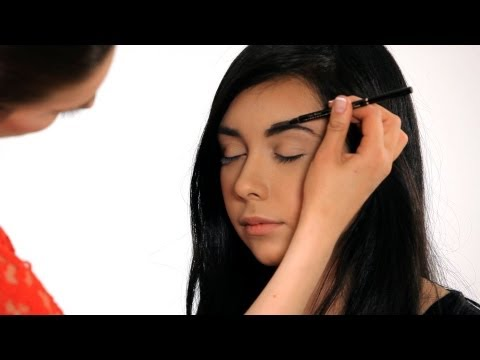 How to Fill in Your Eyebrows | Makeup Tricks