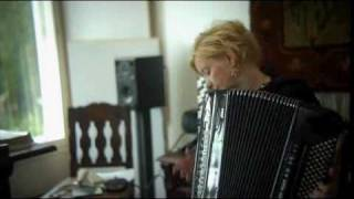 Maria Kalaniemi charms with her accordion