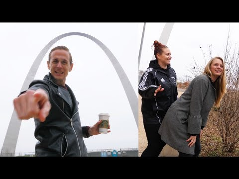 TWERKIN ON THE GATEWAY ARCH! (St. Louis Missouri) - USA Road Trip