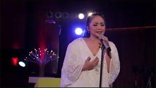 Gita Gutawa - Rangkaian Kata (Live at Music Everywhere) * *