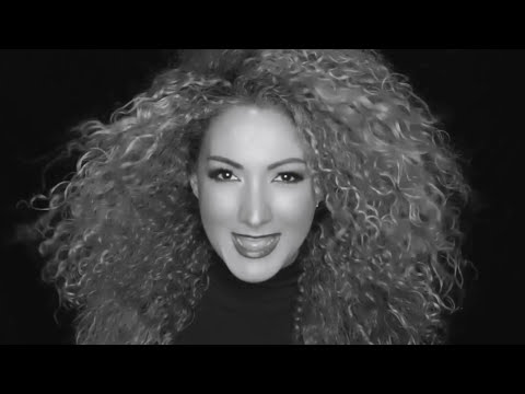 Erika Ender - Ataúd (Official Video)
