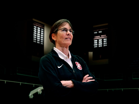 Stanford women's basketball coach Tara VanDerveer approaching 1,000 wins
