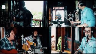 Hold me now - En Vivo (video oficial)