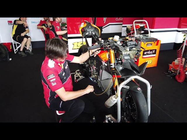 ช่างระดับโลกทำรถ Ducati V4R ให้ Alvaro Bautista (WSBK)