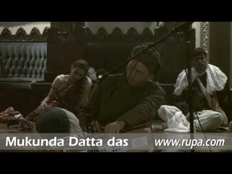 Bhajan - New Year's Eve 2010 - Mukunda Datta das - 17/22