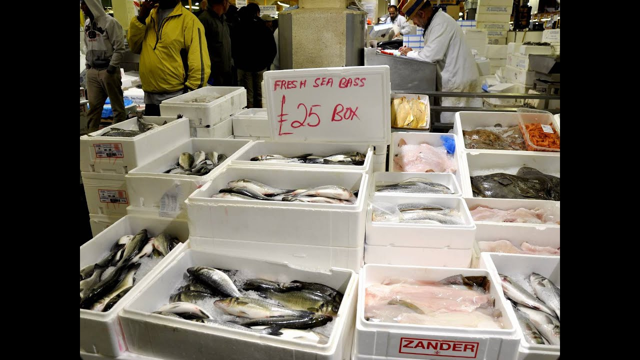 Billingsgate fish market star to fall as background for Fish market hours