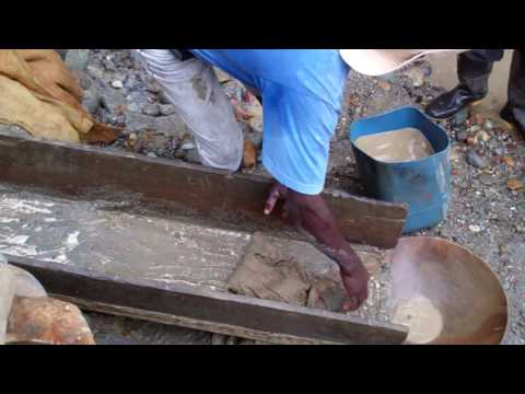 Colombia mining methods: traditional mining - no mercury