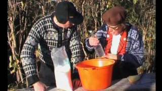 Repeat youtube video Råkkåfisk, lokal mattradisjon ved