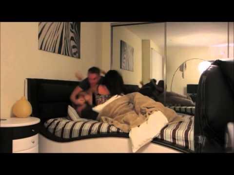 Annesiyle arkadaşı aynı yatakta - mom and sons friend
