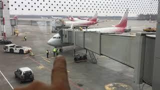 Сейчас окажемся в нашем самолёте... Аэропорт Пулково. Летим в Анталию... 06.11.2017, 15:12
