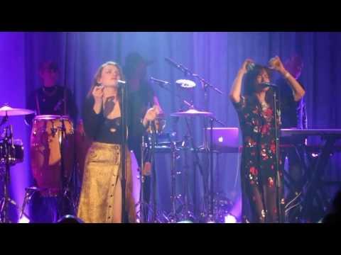 Nouvelle Vague 'Dancing With Myself' - BEST ONSTAGE DANCE EVER by Liset Alea & Élodie Frégé live! mp3