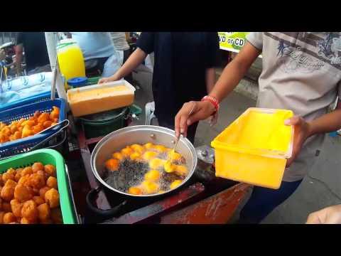 Cebu, Philippine Street Food: Sweetcorn and Kwek-kwek