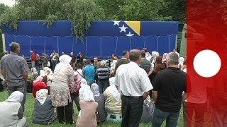 Bosnie: 409 victimes du massacre de Srebrenica entament leur dernier voyage
