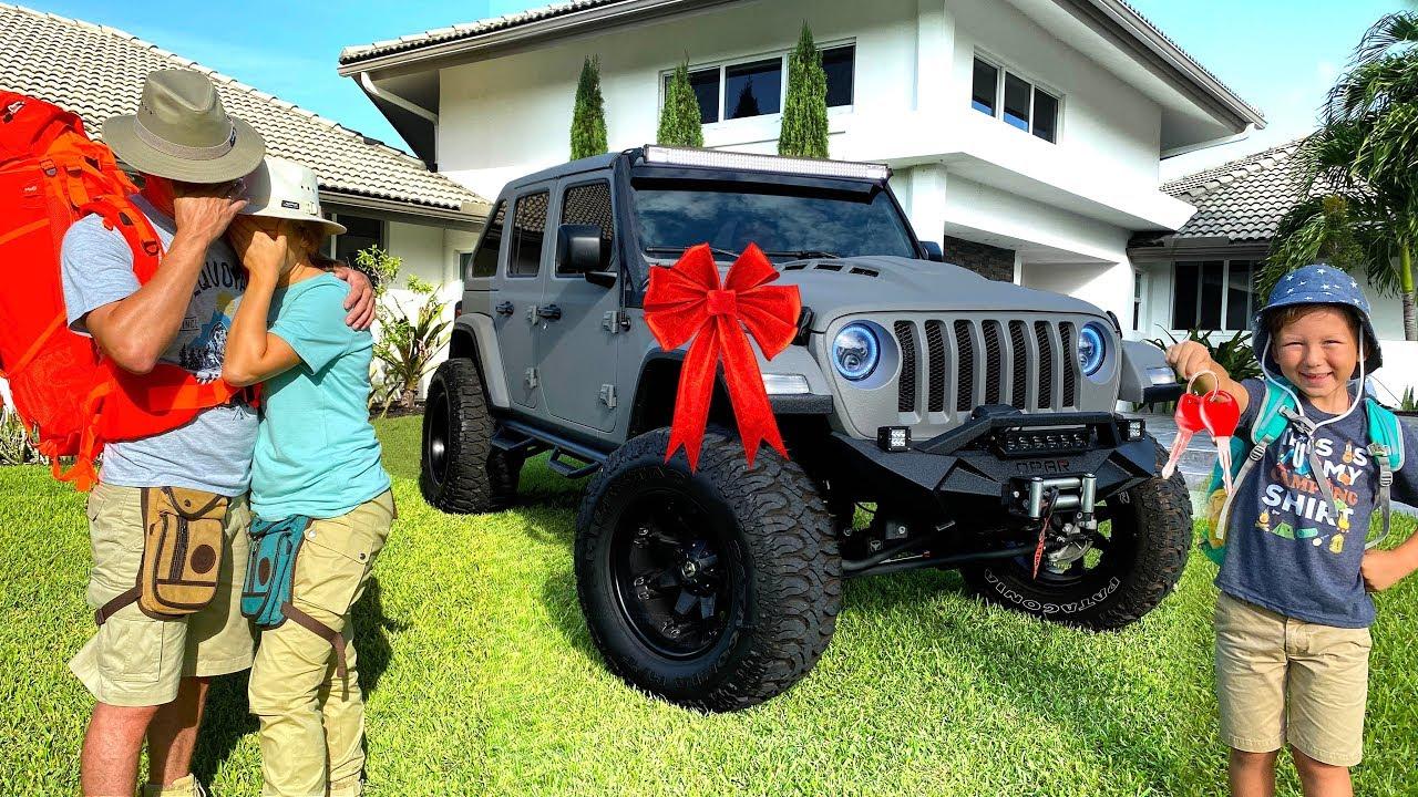 Родители плачут! ТАКОЙ подарок от Сени они не ожидали! Подарок Jeep