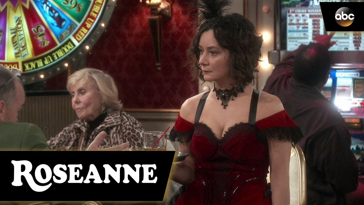 Darlene Gets Flirtatious - Roseanne